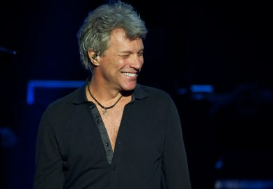 Bon Jovi Debuts New Album, Addresses 'Tumultuous' 3 Years at Intimate New Jersey Concert